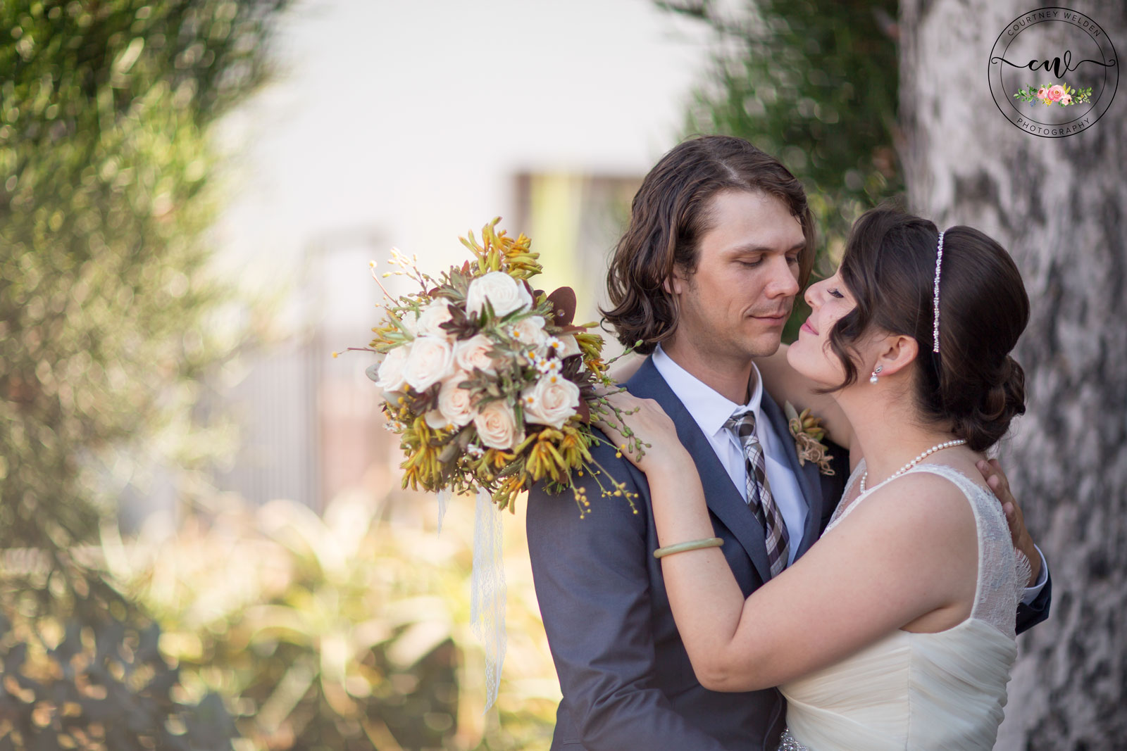 In Leu Of A First Dance These Two Performed Rock Song After For Their Adoring Guests This Urban San Diego Wedding Was An Absolute Dream